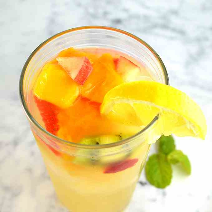 Fruit Filled Lemonade