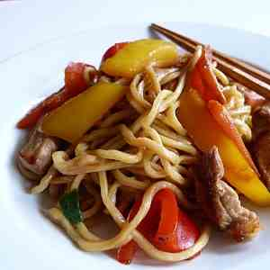 Pork and bell peppers fried egg noodles