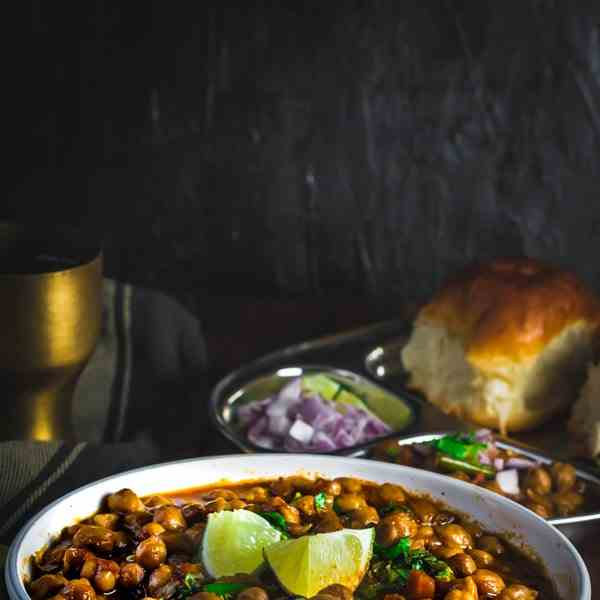 Chana Masala (Indian Chickpea Curry) Recip