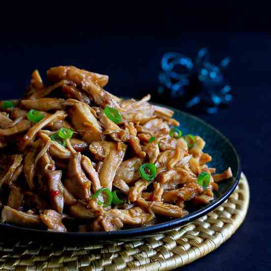Slow Cooker Hoisin Chicken {Crockpot}