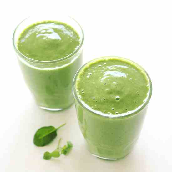 The Best Mango Green Smoothie
