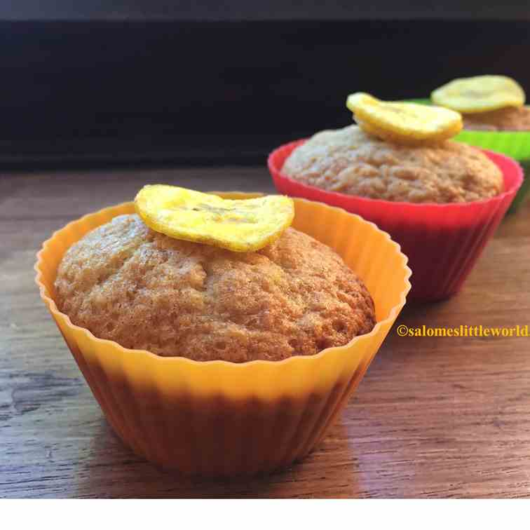 Moist light spongy Banana cupcake