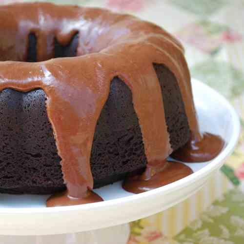 Root Beer Float Bundt Cake