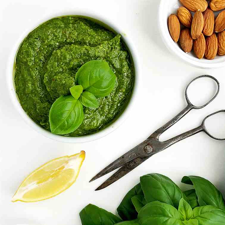 Basil Pesto Sauce without Cheese