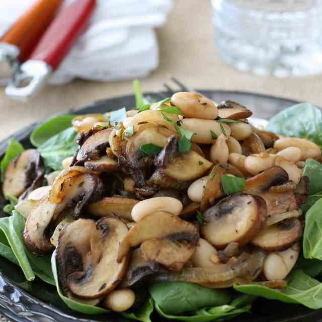 Spinach Salad w/Mushrooms & Beans