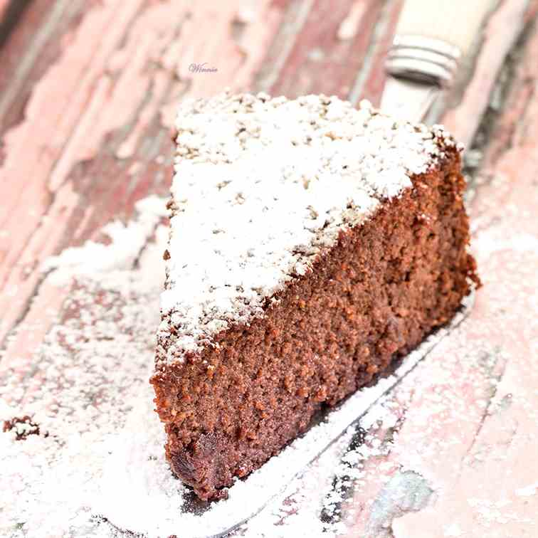 Flourless Beetroot Chocolate Cake - GF