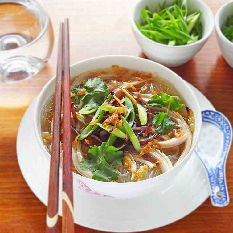 Vietnamese Chicken Soup with Glass Noodles