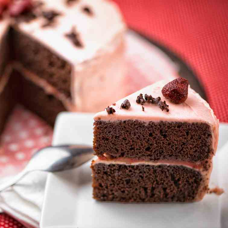 Chocolate Strawberry Cake with Butter Fros