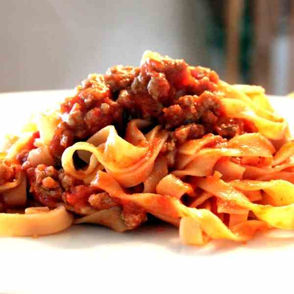 Tagliatelle with Pepper-Tomato Sauce
