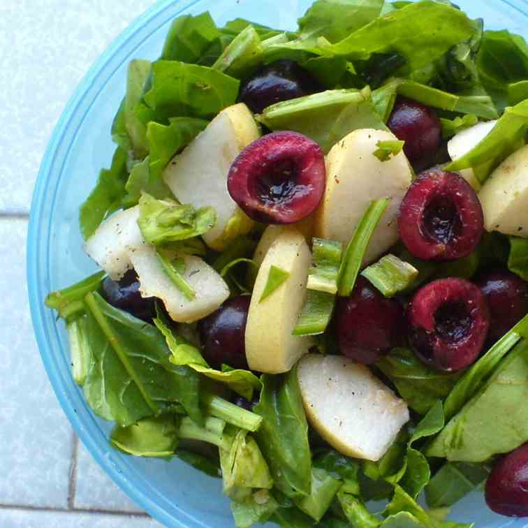 Spinach, Pear and Cherry Salad