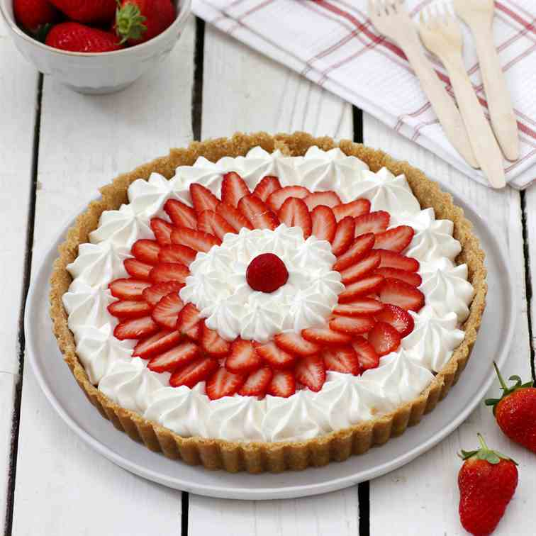 No-Bake Yogurt Strawberry Pie