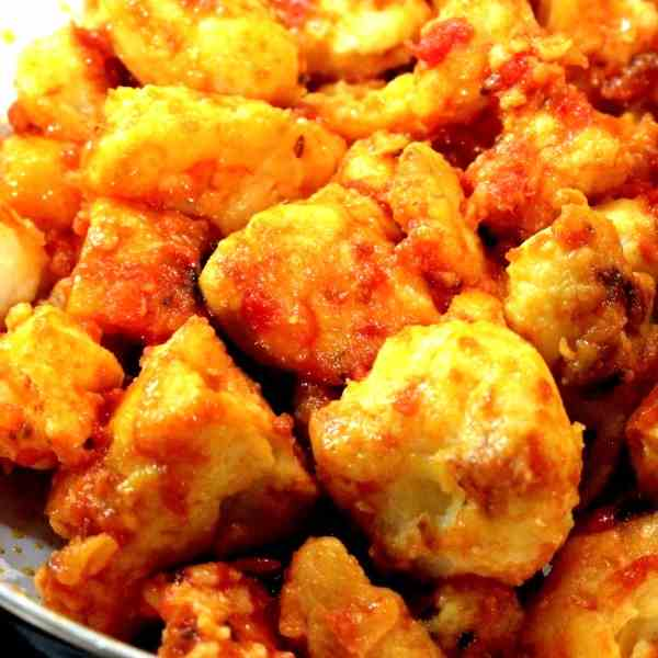 Indian fried Cauliflower in Tomato Sauce