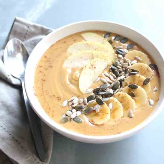 Incredible Pumpkin Pie Smoothie Bowl