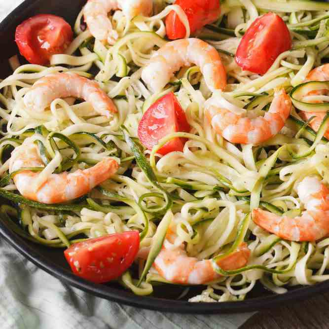 The Best Garlic King Prawn Zoodles