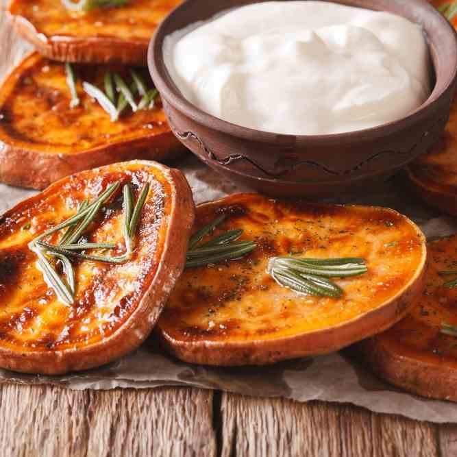 Whole 30 Airfryer Rosemary Sweet Potato