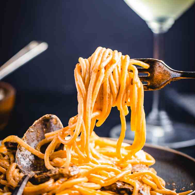 Mushroom Brandy Cream Sauce With Spaghetti