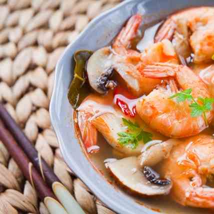 Keto Asian Prawn Broth