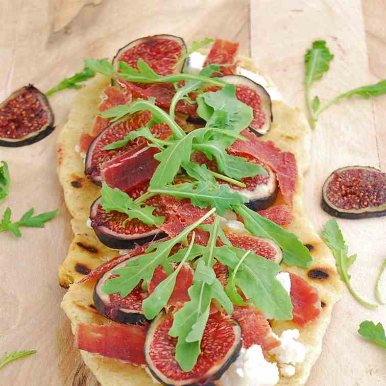 Grilled Pizza w/goat cheese, figs and ham