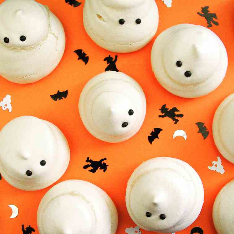 Halloween Ghost Meringues