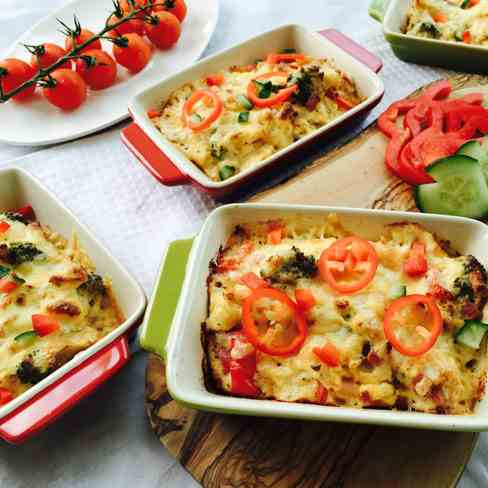 Baked pepper, cheese and broccoli omelette