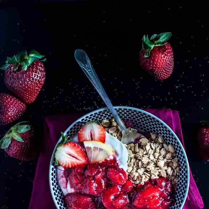 Granola with a Strawberry Sauce