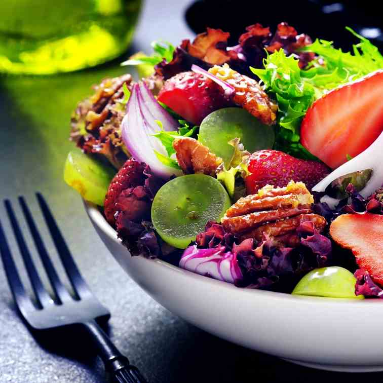 Strawberry and Pecan Salad