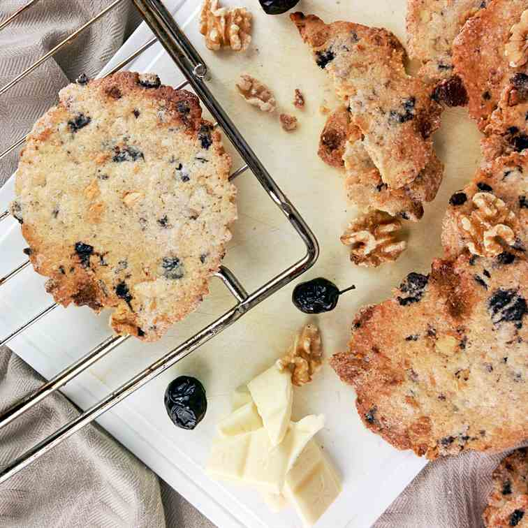 Black olives - white chocolate cookies