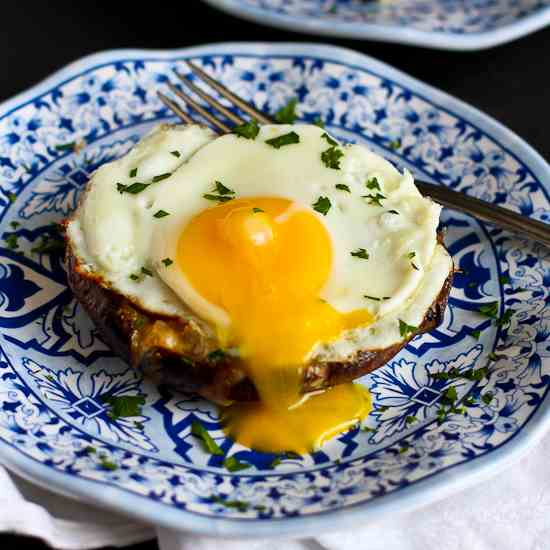 Portobello Baked Eggs with Spinach