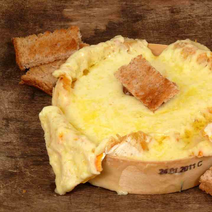 Airfryer baked camembert cheese w- soldier