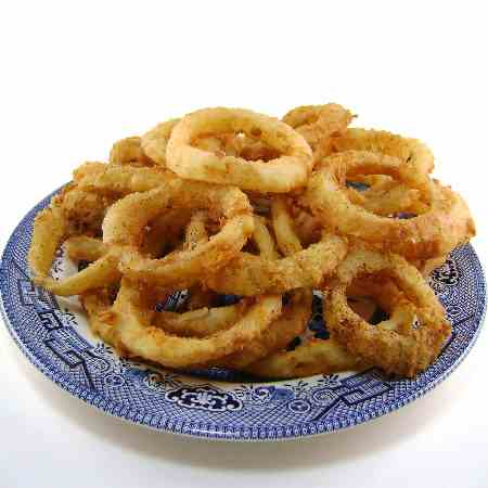 Steakhouse-Style Fried Onion Rings