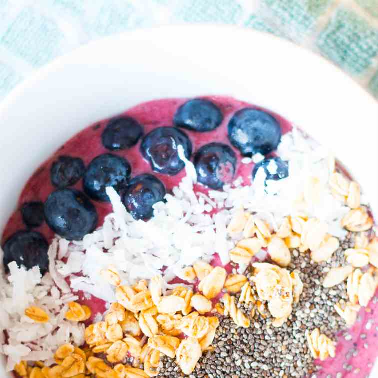 Blueberry Banana Acai Bowl