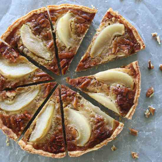 Rich Caramel Pecan Pear Pie
