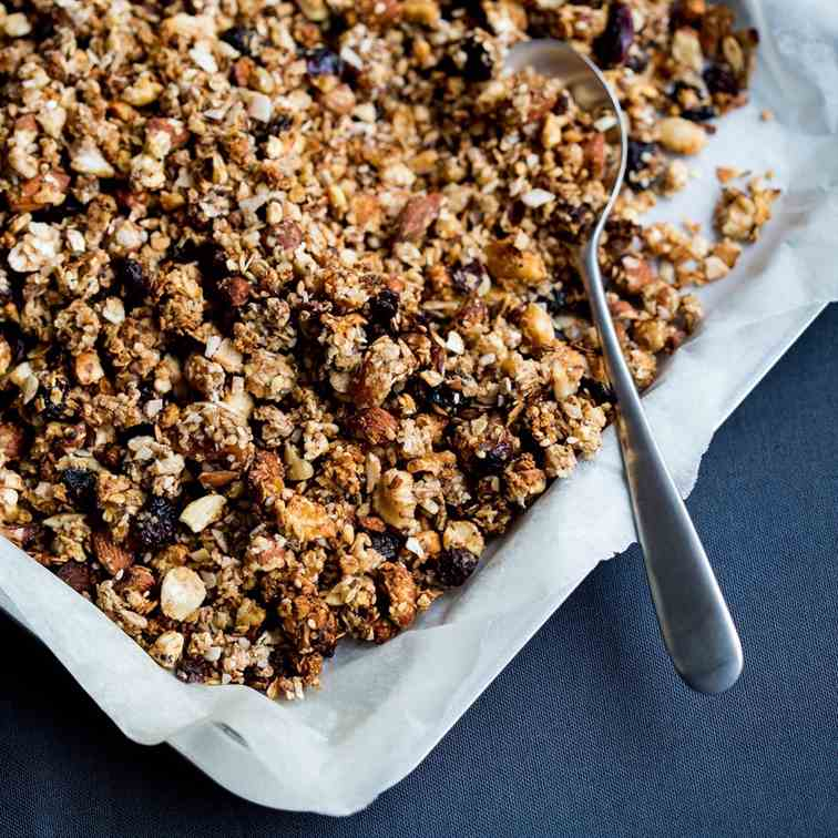 Granola with nuts - fruit