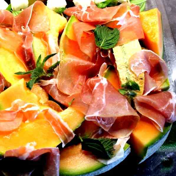 Melon with raw Ham and Parmesan