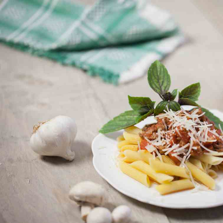 Pasta penne with bolognaise sauce