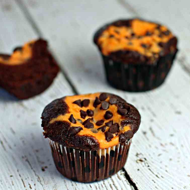 Chocolate Cupcakes with Pumpkin Cheesecake