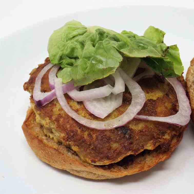 Curry Turkey Burgers w Cilantro Lime Aioli