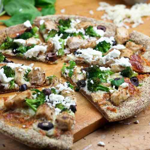Chicken Broccoli Olive and Goat Cheese Piz