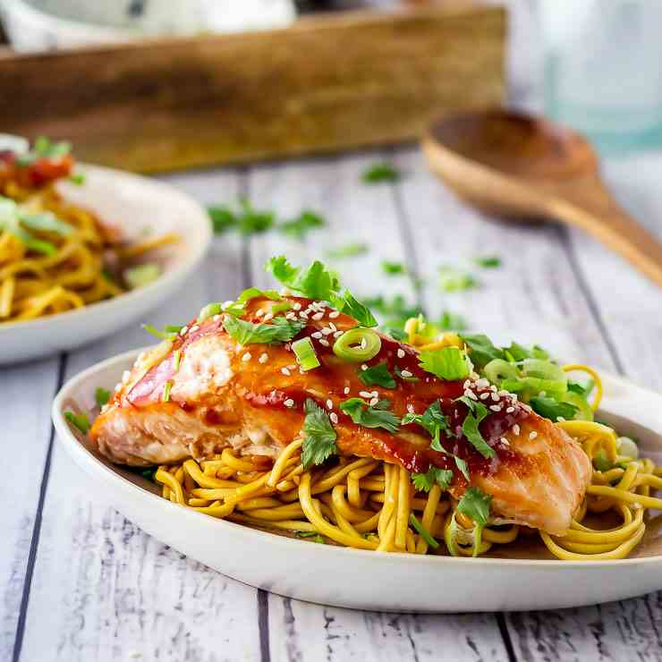 Oven Cooked Salmon with Tomato and Garlic