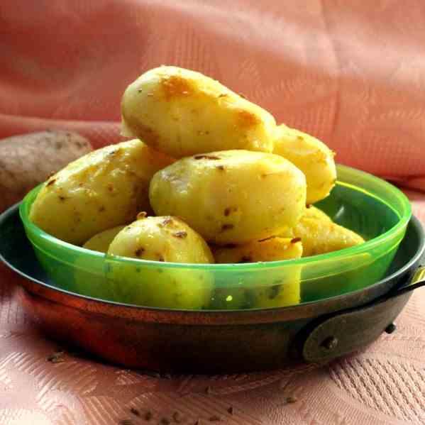 Aloo Chaat ~ Indian spiced Potatoes