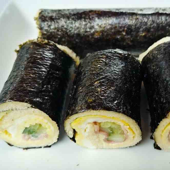 Nori Breakfast Bread Roll