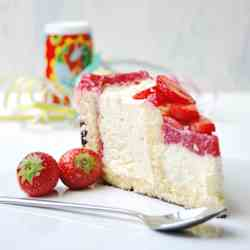 Mascarpone cream cake with strawberries
