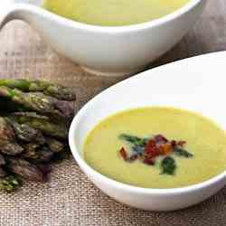 Light and Creamy Asparagus Soup