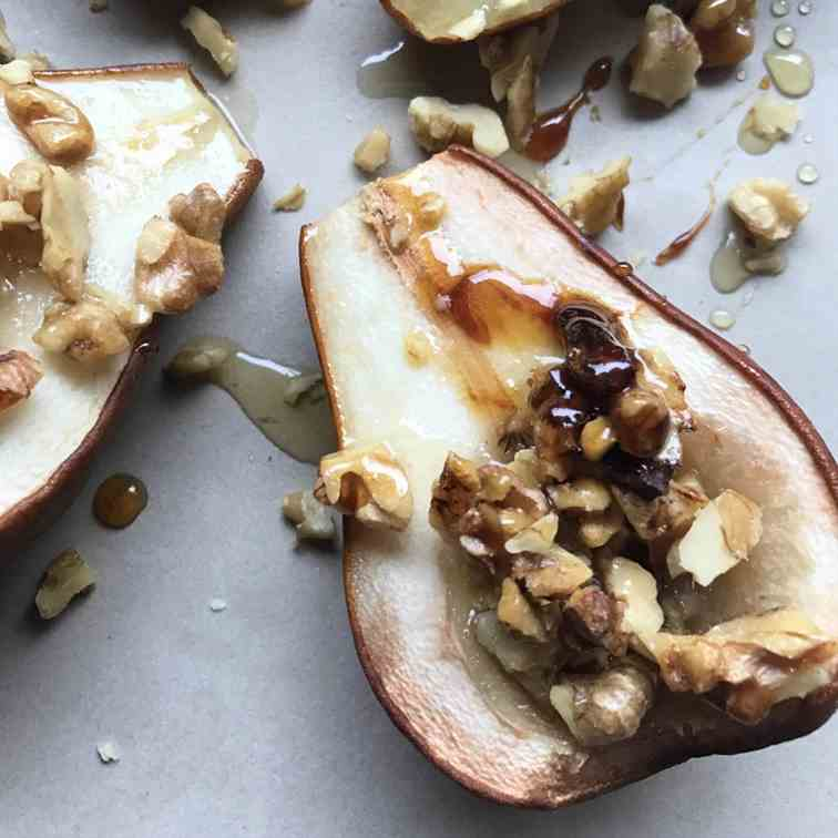 Vegan Roasted Pears with Walnuts