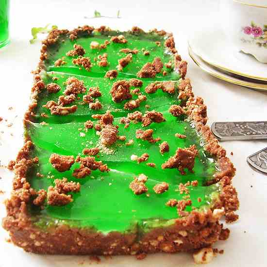 Mint and White Chocolate No Bake Bars