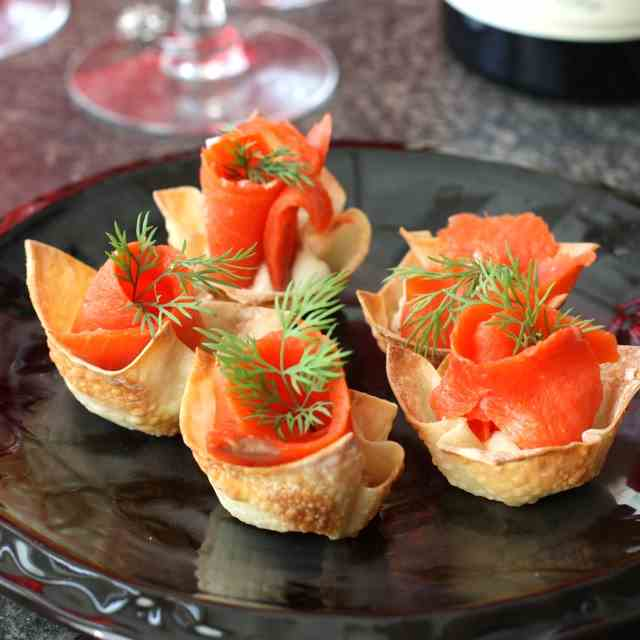 Smoked Salmon &  Mascarpone in Wonton Cups