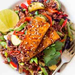 Red rice stir-fry with spicy tofu