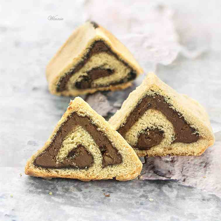 Yeast-Shortbread Triangular Hamentachen
