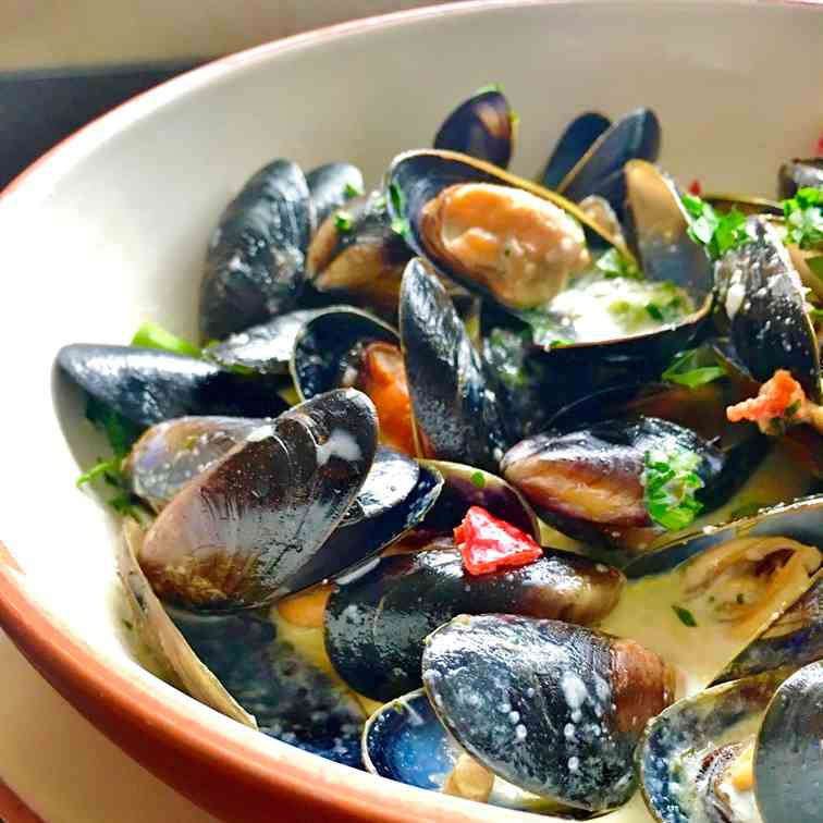 How to Clean - Prepare Mussels