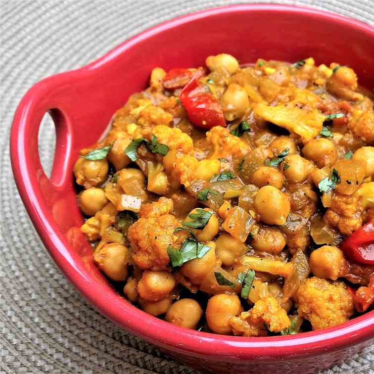 Chickpea - Cauliflower Curry